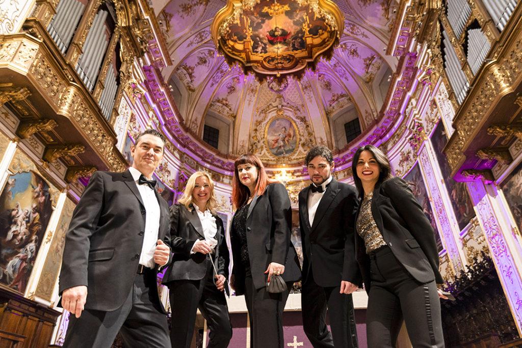 Direttrice d'orchestra Damiana Natali e i Solisti
